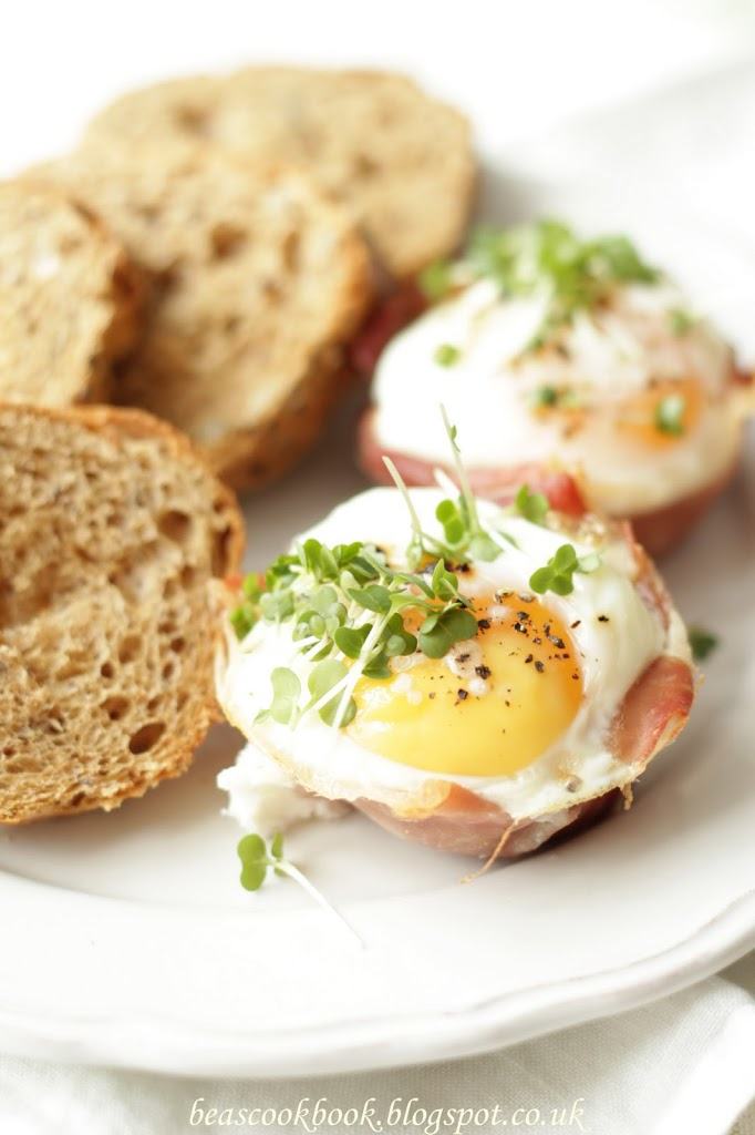 EGGS BAKED WITH PARMA HAM AND SUN-DRIED TOMATOES