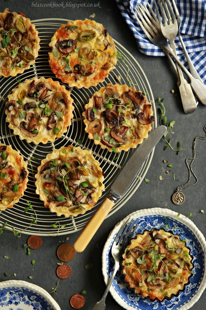 Leek and mushroom MINI TARTS